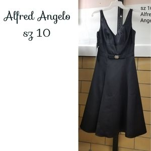 SZ 10 Black Alfred Angelo dress nwt